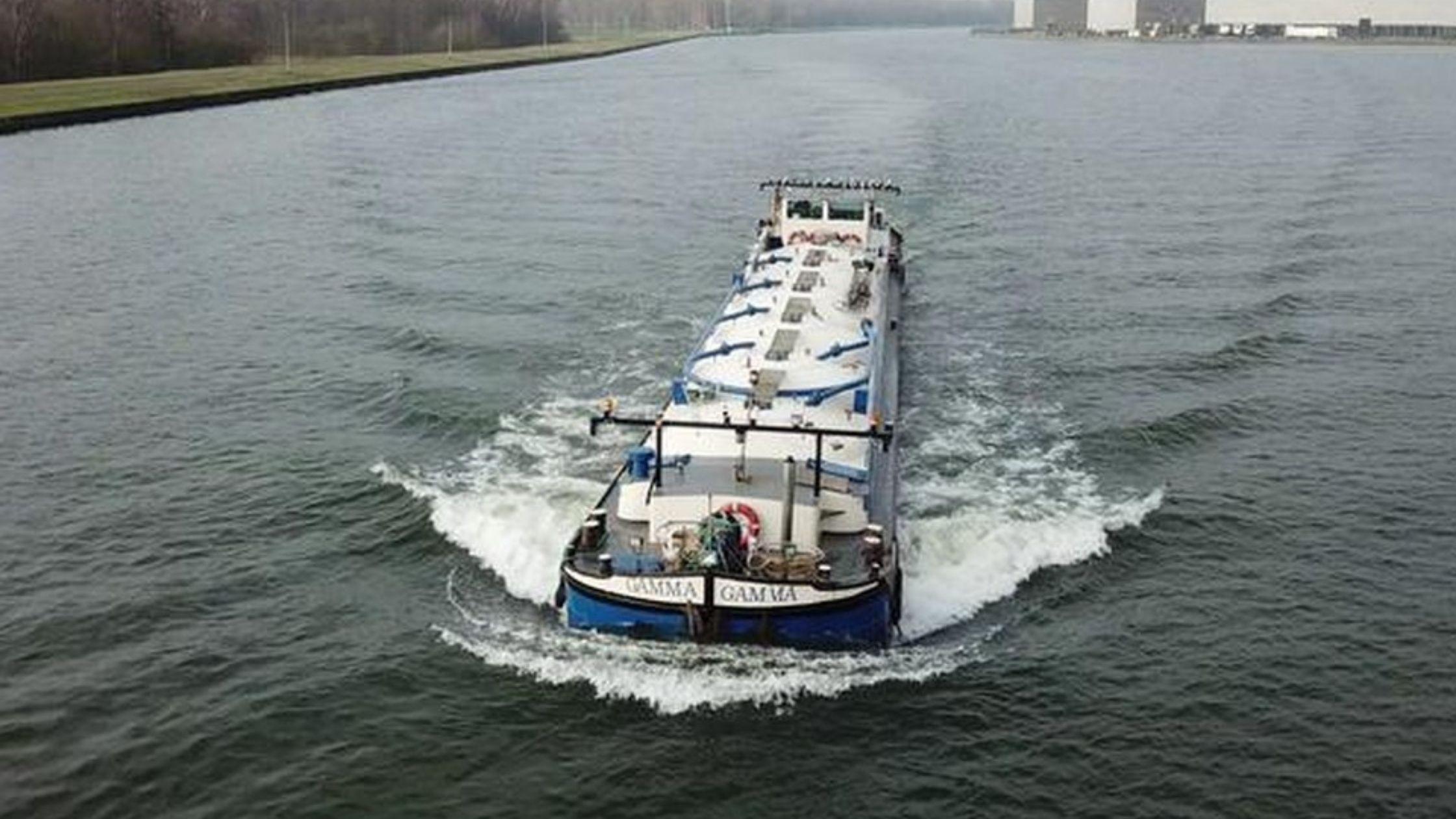 Semi-autonoom schip
